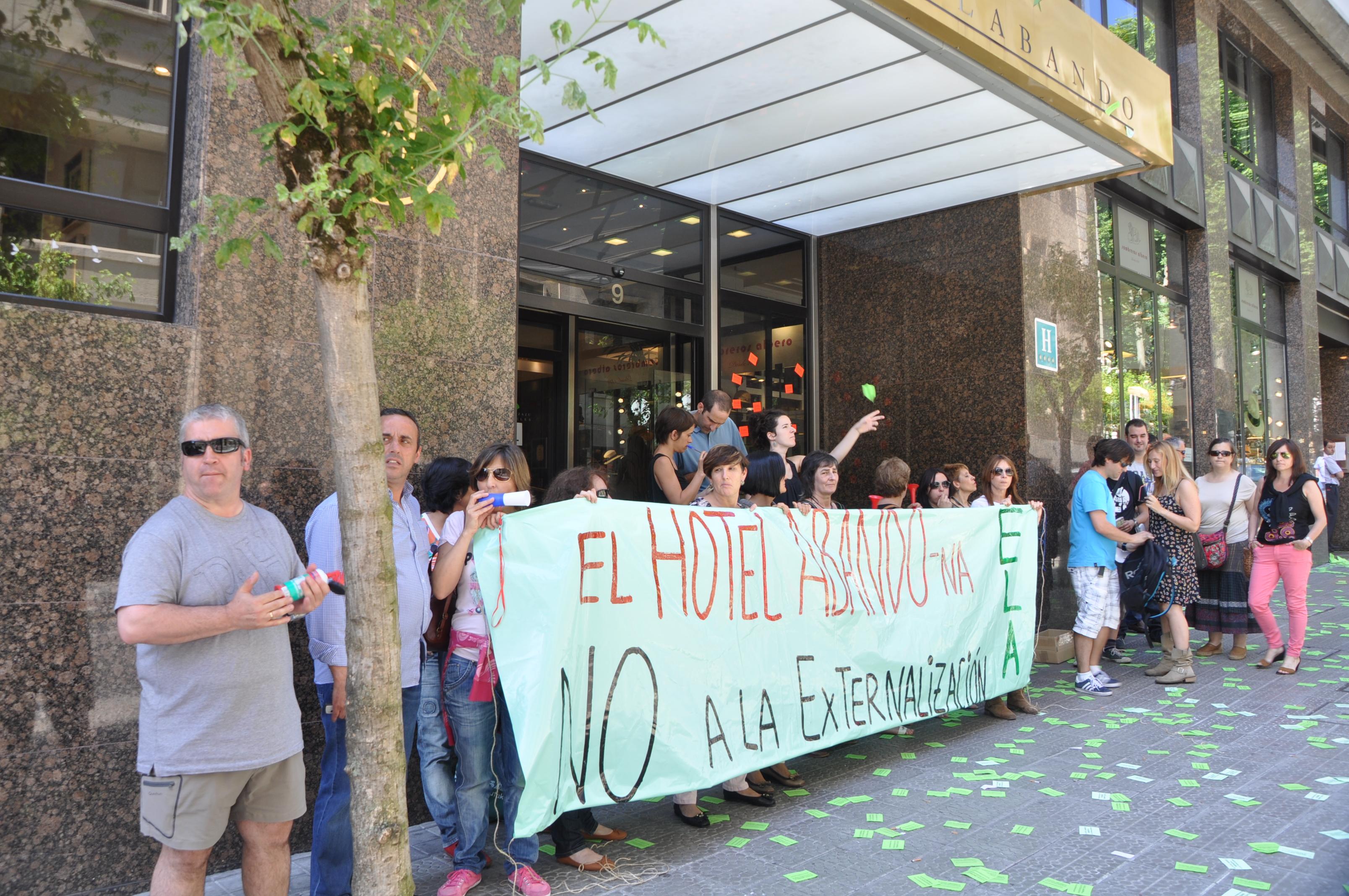 Primera jornada de huelga en el Hotel Abando de Bilbao — ELA Sindikatua